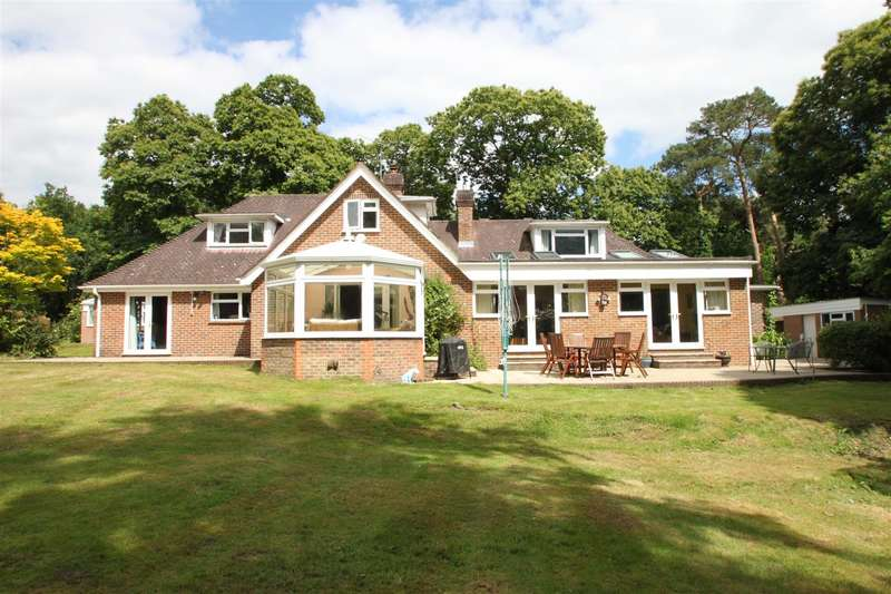 4 Bedrooms Property for sale in Huntsman Lane, Wrotham Heath