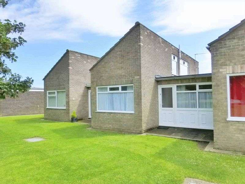 2 Bedrooms Terraced House for sale in Winterton-on-Sea