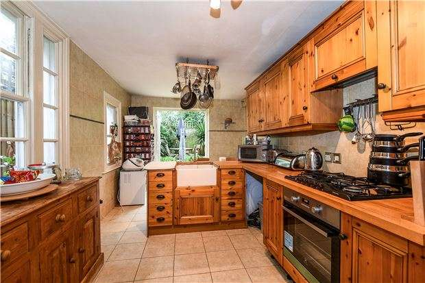 3 Bedrooms Terraced House for sale in Wellfield Road, LONDON, SW16