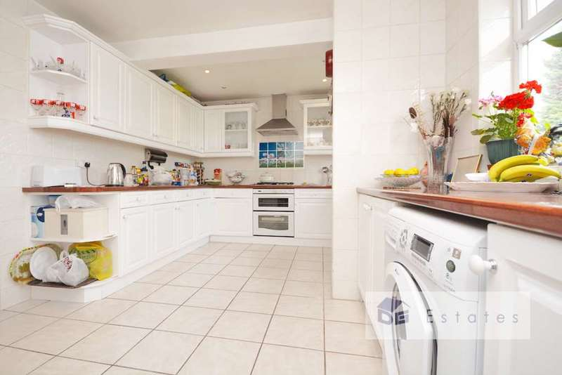 3 Bedrooms Semi Detached House for sale in Durnsford Road, Bounds Green