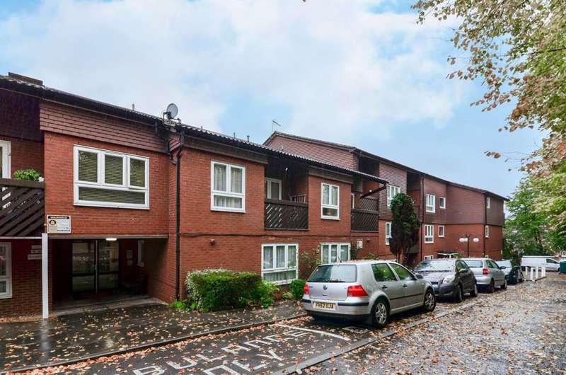 1 Bedroom Flat for sale in Cedar Close, West Dulwich, SE21