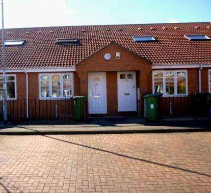 1 Bedroom Flat for sale in Silvermere Drive, Ryton, Tyne and Wear, NE40
