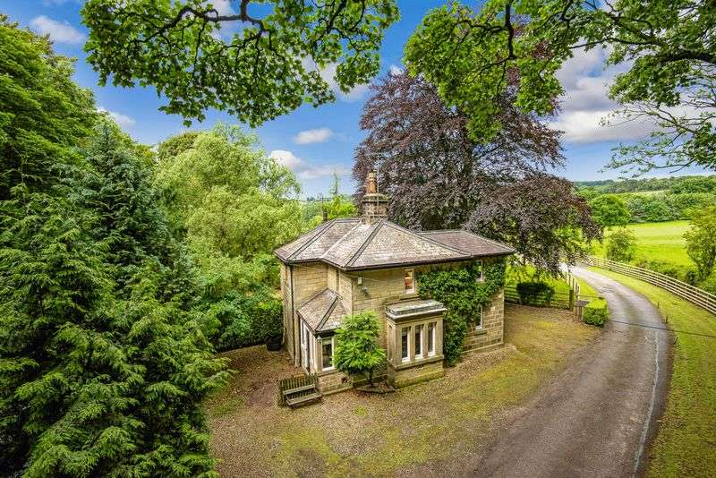 4 Bedrooms Detached House for sale in Winsley Old Lodge Pateley Bridge Road Burnt Yates Harrogate HG3 3ES