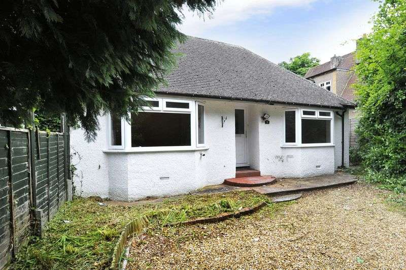 3 Bedrooms Bungalow for sale in High Street, Worthing