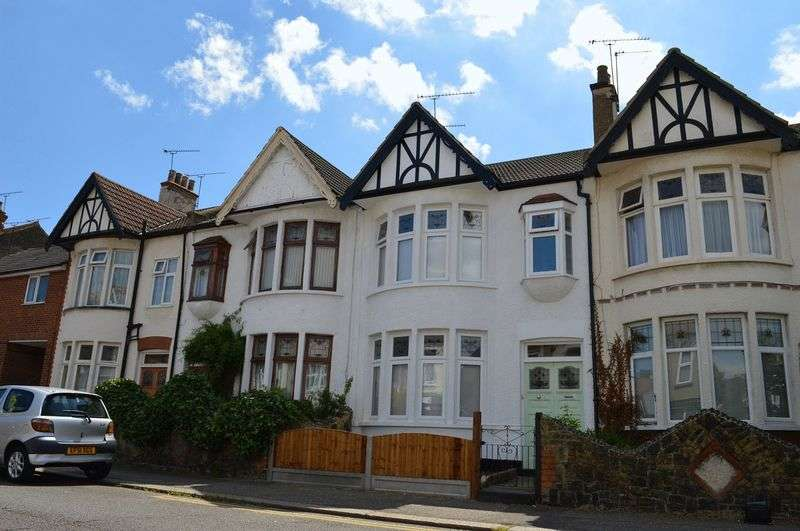 3 Bedrooms Terraced House for sale in Westborough Road, Westcliff-On-Sea