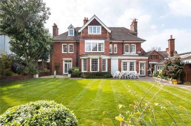 8 Bedrooms Detached House for sale in Thorncote, Edgehill Road, London
