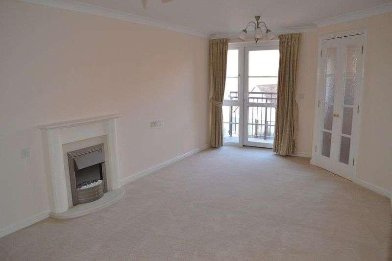 1 Bedroom Flat for sale in Holmes Court, Tonbridge