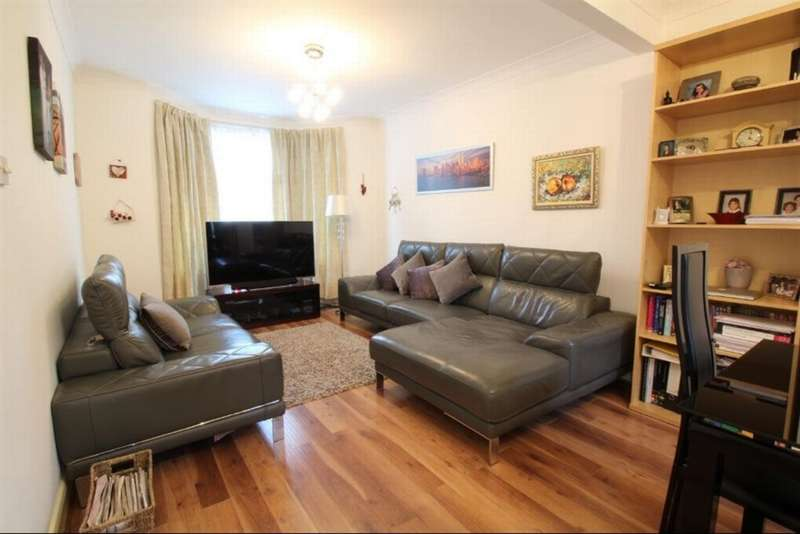 3 Bedrooms House for sale in Lincoln Road, Enfield, EN1