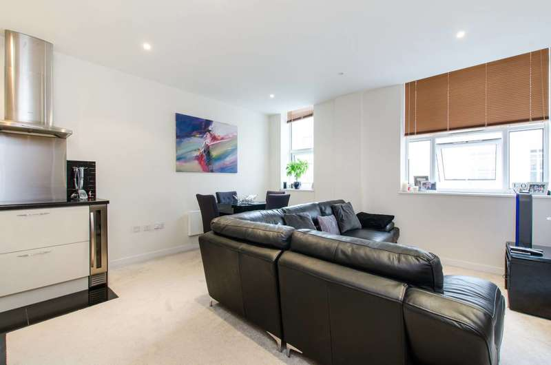 2 Bedrooms Flat for sale in Bromyard Avenue, Acton, W3