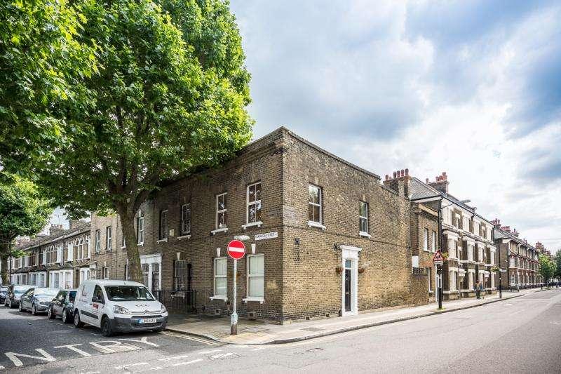 3 Bedrooms End Of Terrace House for sale in Trafalgar Street, Walworth, London, SE17