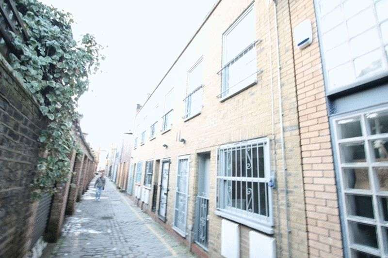 2 Bedrooms Terraced House for sale in Voss Street, London