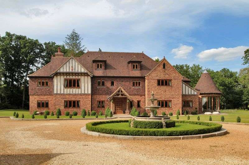8 Bedrooms Detached House for sale in Copthorne Common, Copthorne, West Sussex