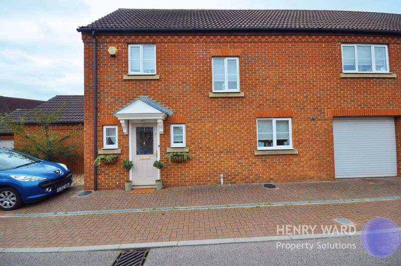 3 Bedrooms Semi Detached House for sale in Bradley Road, Waltham Abbey