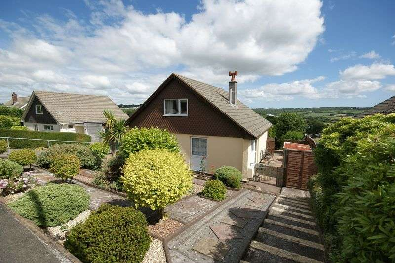3 Bedrooms Bungalow for sale in Lanhydrock View, Bodmin