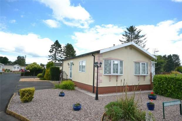 2 Bedrooms Park Home Mobile Home for sale in 7 Old Willow Road, Breton Park, Muxton, Telford, Shropshire