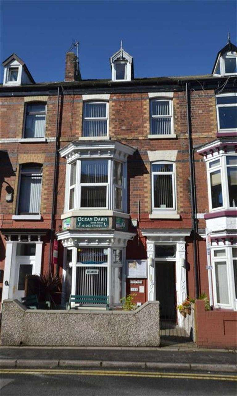 8 Bedrooms Guest House Gust House for sale in Windsor Crescent, Bridlington, YO15