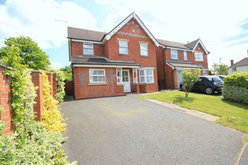 4 Bedrooms Detached House for sale in Cholmondeley Rise, No Man's Heath