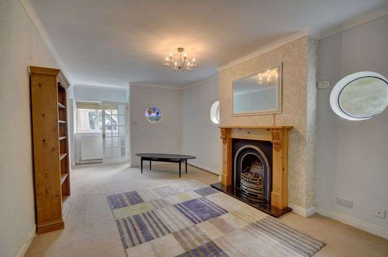 5 Bedrooms Detached House for sale in Coach Road, Whitby