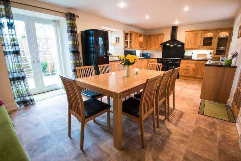 4 Bedrooms Detached House for sale in East Boonraw, Hawick, Roxburghshire, TD9