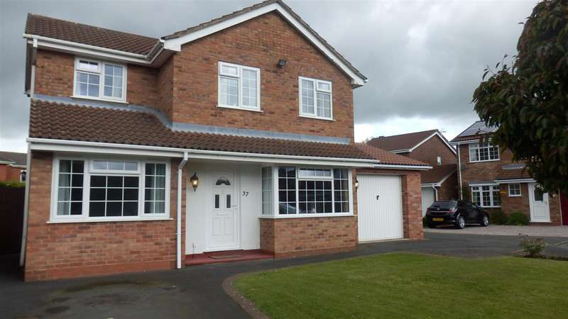 4 Bedrooms Detached House for sale in Forest Road, Market Drayton
