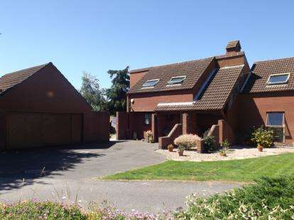4 Bedrooms House for sale in Blenheim Gardens, East Bridgford, Nottingham