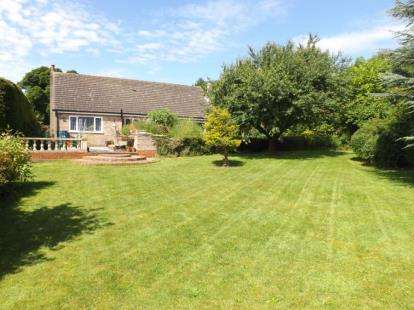 4 Bedrooms Bungalow for sale in Stocks Hill, Ludford, Market Rasen, Lincolnshire