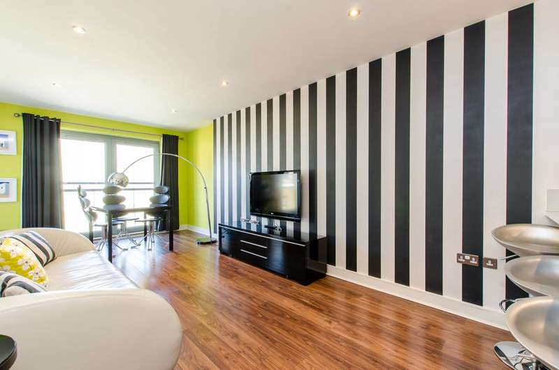 2 Bedrooms Flat for sale in Plumbers Row, Aldgate, E1