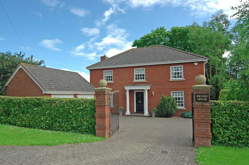 4 Bedrooms Detached House for sale in Pinhoe, Exeter, Devon
