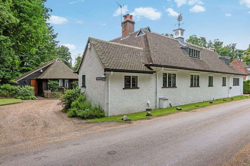 4 Bedrooms Detached House for sale in Priors Hatch Lane, Godalming