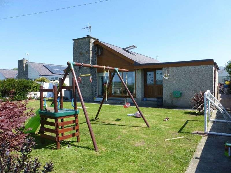 3 Bedrooms Detached Bungalow for sale in Pontllyfni
