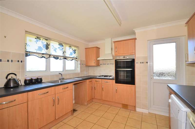 2 Bedrooms Detached Bungalow for sale in Stenbury View, Wroxall, Ventnor, Isle of Wight