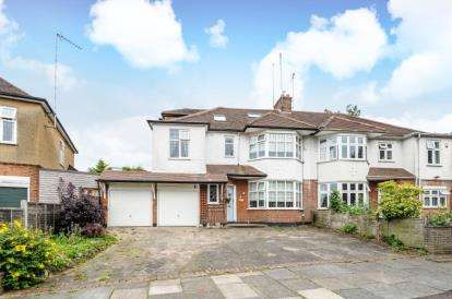 5 Bedrooms Semi Detached House for sale in The Fairway, New Barnet
