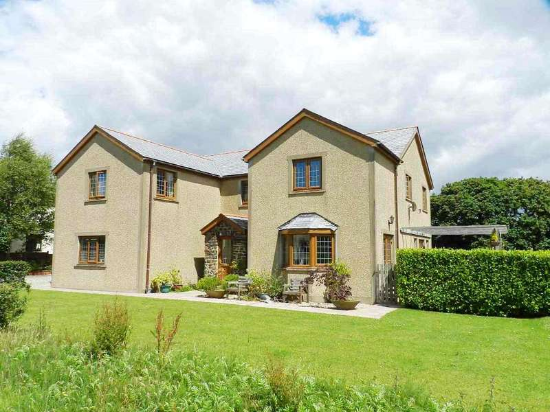 5 Bedrooms Detached House for sale in The Meads Drive, Hook, Haverfordwest