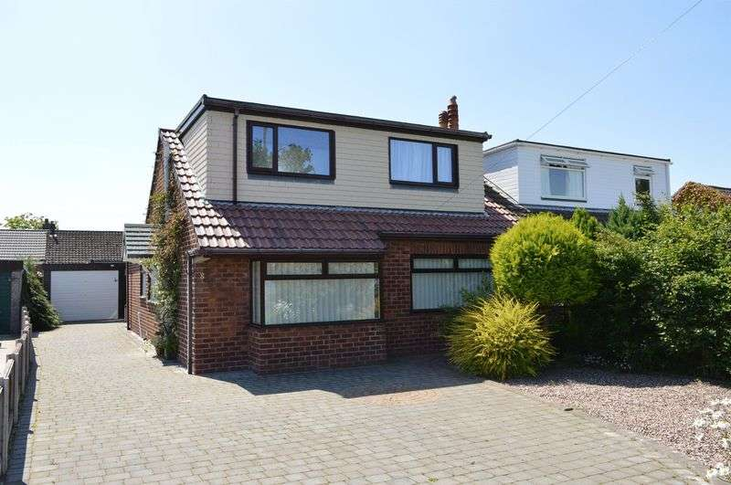3 Bedrooms Semi Detached Bungalow for sale in Burley Avenue, Lowton, WA3 2ES