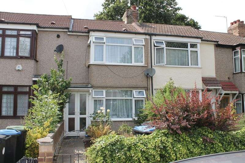 2 Bedrooms Terraced House for sale in Winnington Road, Enfield, EN3 5RL