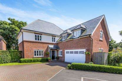 5 Bedrooms Detached House for sale in Gerards Gardens, Nantwich, Cheshire