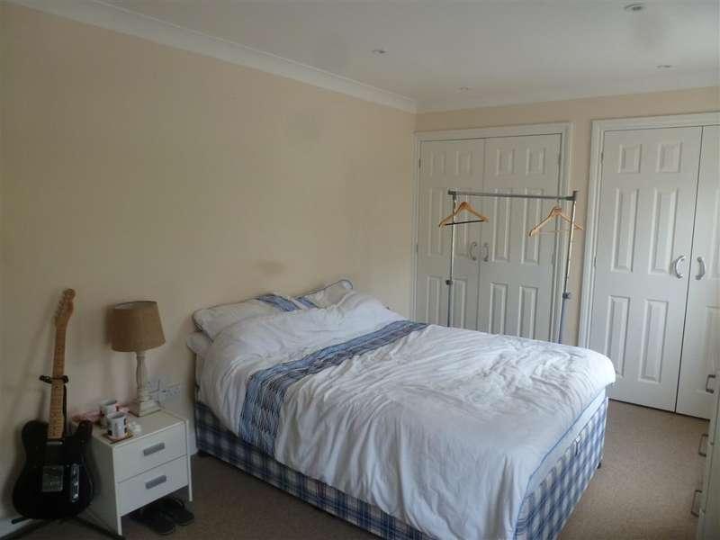 2 Bedrooms Duplex Flat for sale in Queens Courtyard, Dover, Kent