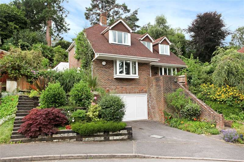 4 Bedrooms Detached House for sale in Clovelly Park, Hindhead, Surrey, GU26