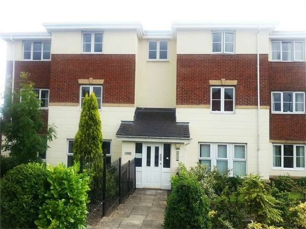 2 Bedrooms Flat for sale in Citadel East, Killingworth, Newcastle upon Tyne, Tyne and Wear