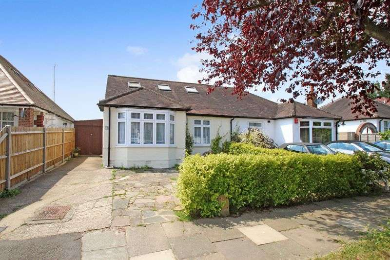 3 Bedrooms Semi Detached House for sale in Sylvia Avenue, Hatch End