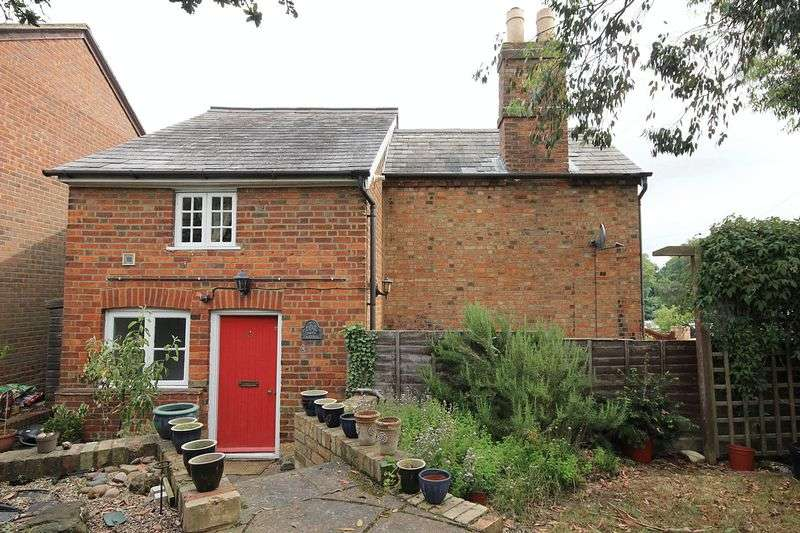 2 Bedrooms Detached House for sale in Park Hill, Ampthill