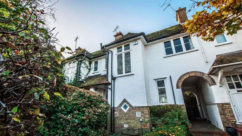3 Bedrooms Cottage House for sale in Creswick Walk, London