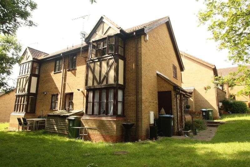 1 Bedroom Semi Detached House for sale in The Pastures, Hemel Hempstead