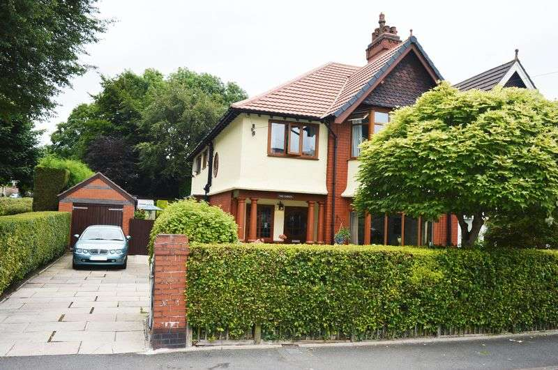 4 Bedrooms Semi Detached House for sale in Lumb Lane, Audenshaw, Manchester