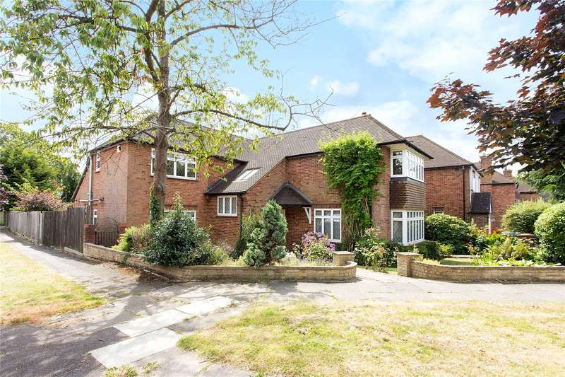 5 Bedrooms Detached House for sale in Dearne Close, Stanmore, Middlesex, HA7