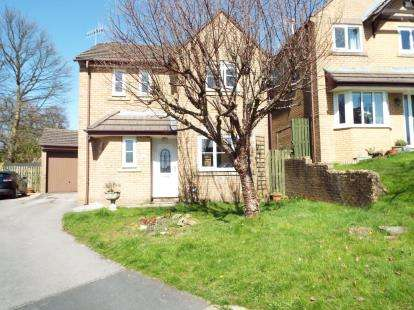 3 Bedrooms Detached House for sale in Rochester Drive, Burnley, Lancashire, BB10