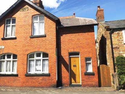 2 Bedrooms Semi Detached House for sale in The Highway, Hawarden, Deeside, Flintshire, CH5