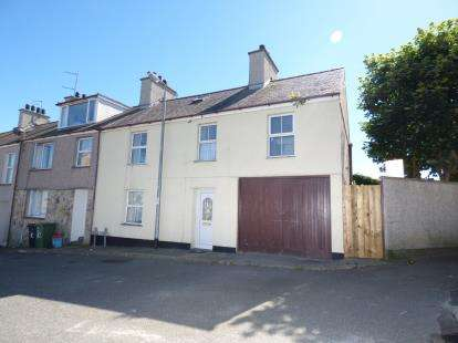 3 Bedrooms End Of Terrace House for sale in Cross Street, Holyhead, Sir Ynys Mon, LL65