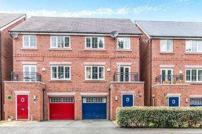 4 Bedrooms Semi Detached House for sale in Millington Gardens, Lymm, Cheshire, ., WA13