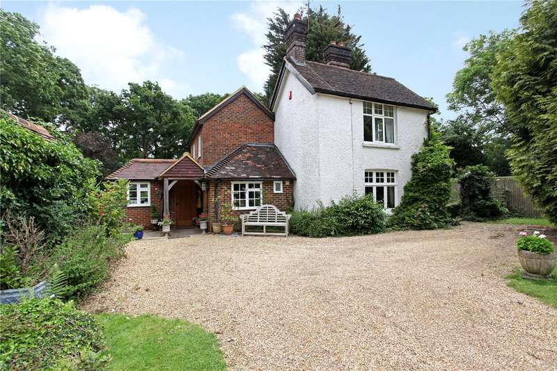 4 Bedrooms Detached House for sale in Five Oaks Road, Slinfold, Horsham, West Sussex, RH13